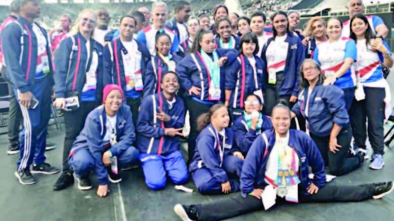 La delegación dominicana durante la clausura de los Juegos Mundiales