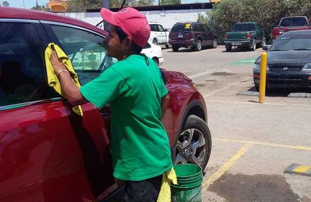 ¡Atención lavadores de vehículo! someterán a la justicia al que realice un uso inadecuado del agua
