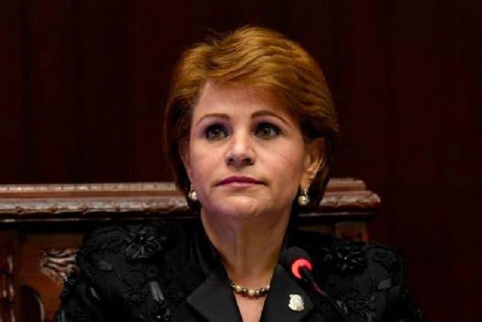 Tu te crees que es justo, co.., que Félix (Bautista) entre aquí y ustedes lo reciban con los brazos abiertos, dice Lucía Medina
