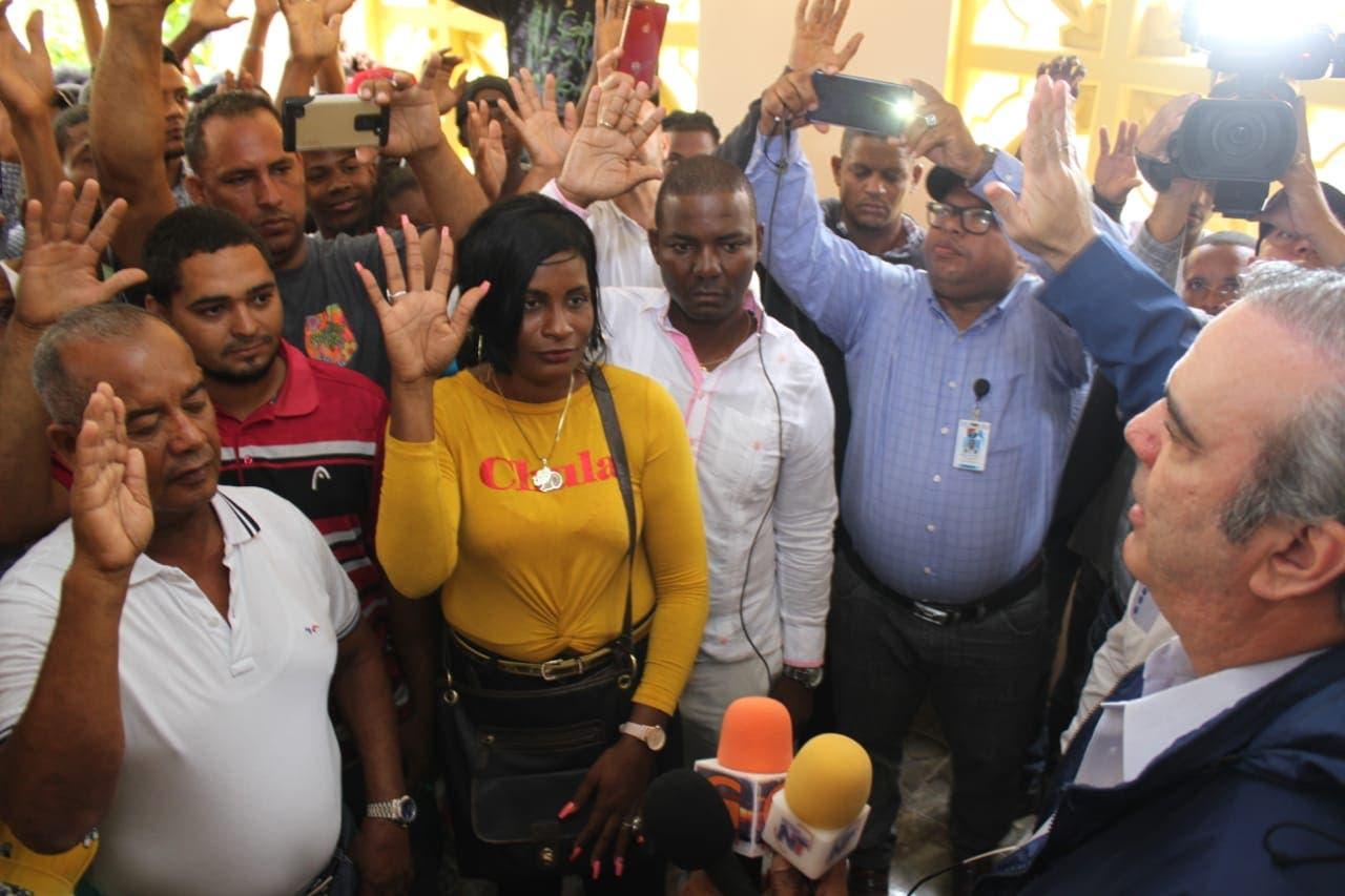 Luis Abinader juramenta ex alcalde de Bayahíbe; pondera crecimiento del PRM
