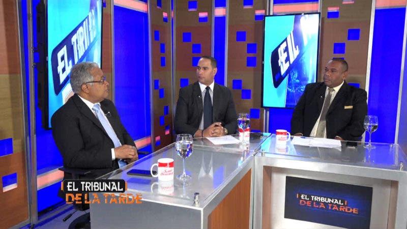 Ministro de Salud Pública, Rafael Sánchez Cárdenas, entrevistado por los comunicadores Dionisio Santana y Vianney Marcelino.