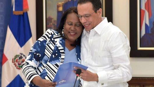 Peña Mirabal y Xiomara Guante
