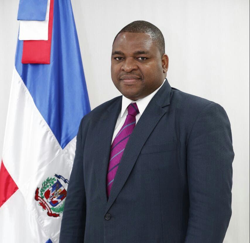 Raúl Germán presenta candidatura a presidencia del Colegio Dominicano de Periodistas