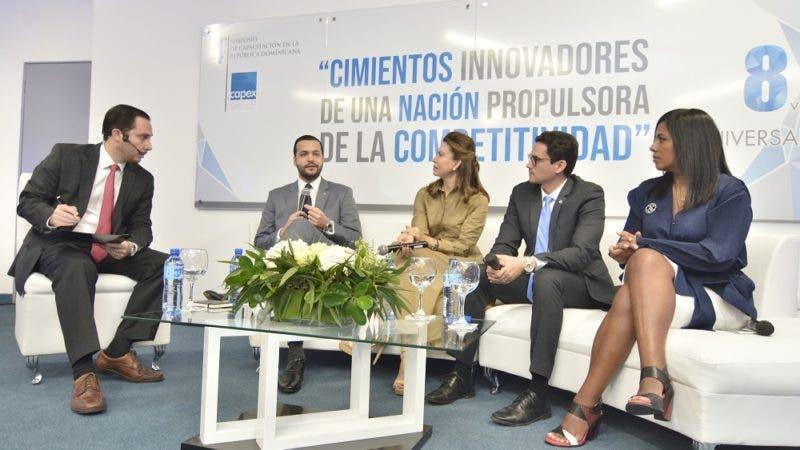 Rafael Paz Familia,  durante su participación en el simposio