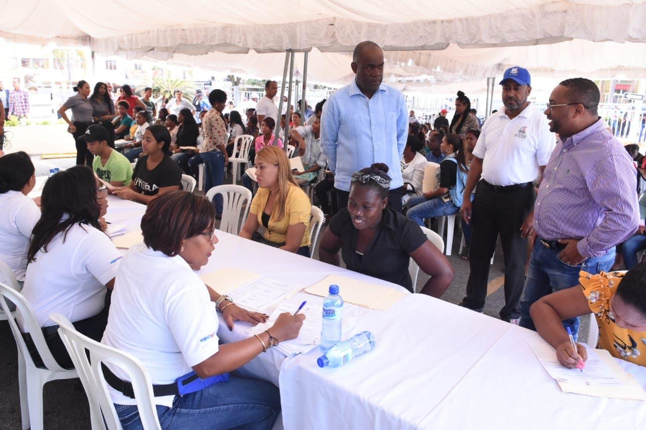 Alcaldía de SDN promueve formación entre jóvenes para que logren empleos de calidad