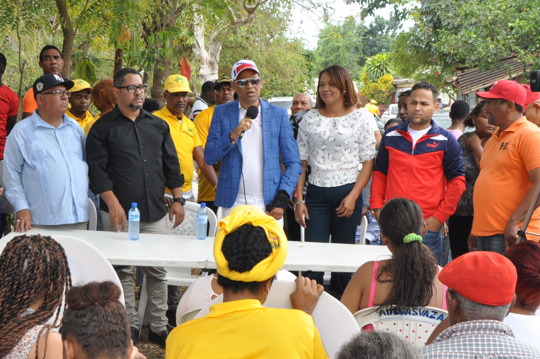 Precandidato a diputado ofrece apoyo a Miriam Germán