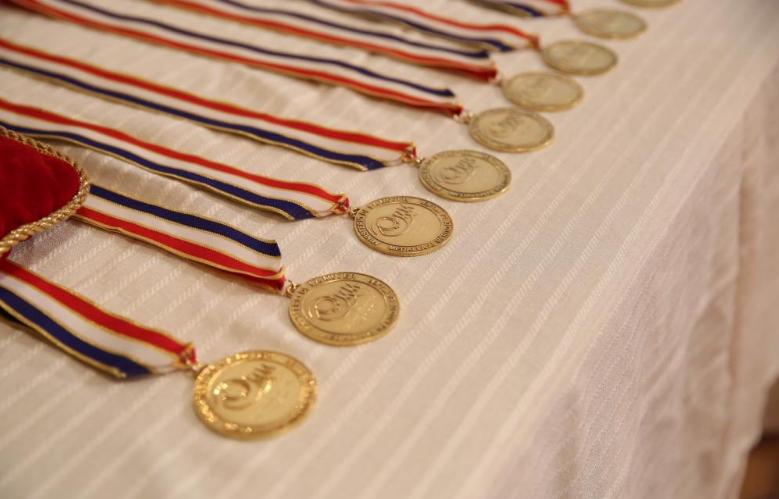 Danilo Medina entrega a Medalla al Mérito a 14 mujeres destacadas