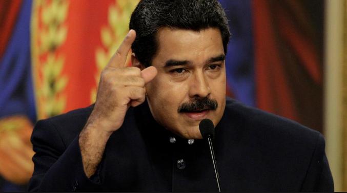 """Nicolás Maduro pide a ministros poner sus cargos a la orden para """"reestructuración» de su Gobierno"""