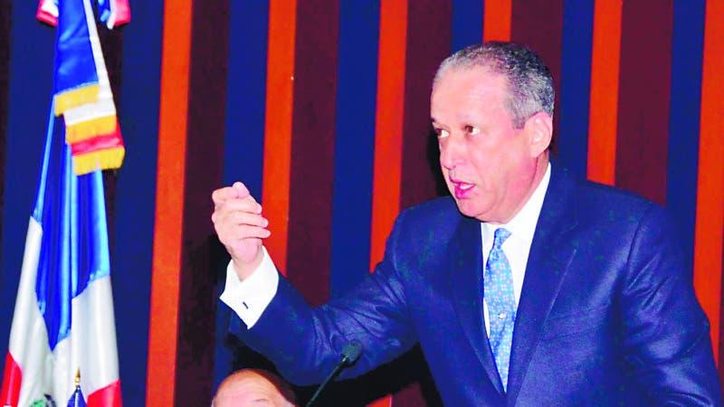 El Pais/ .El Presidente del Senado Reynaldo Pared Perez preside la seccion del Senado  correspodiente al dia 10 del mes abril 2019 .Hoy/Jose Francisco ,10-4-2019