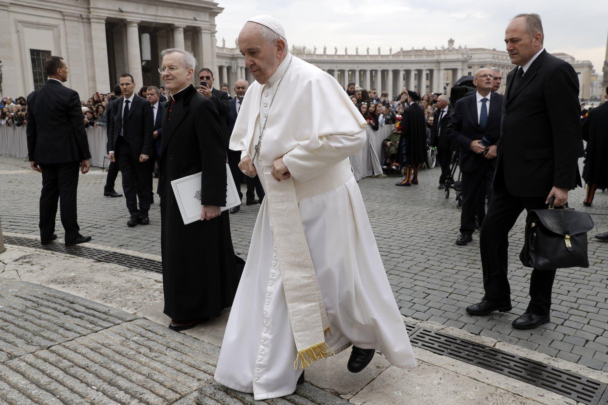 Piden a Vaticano que se oponga a criminalización de los gays