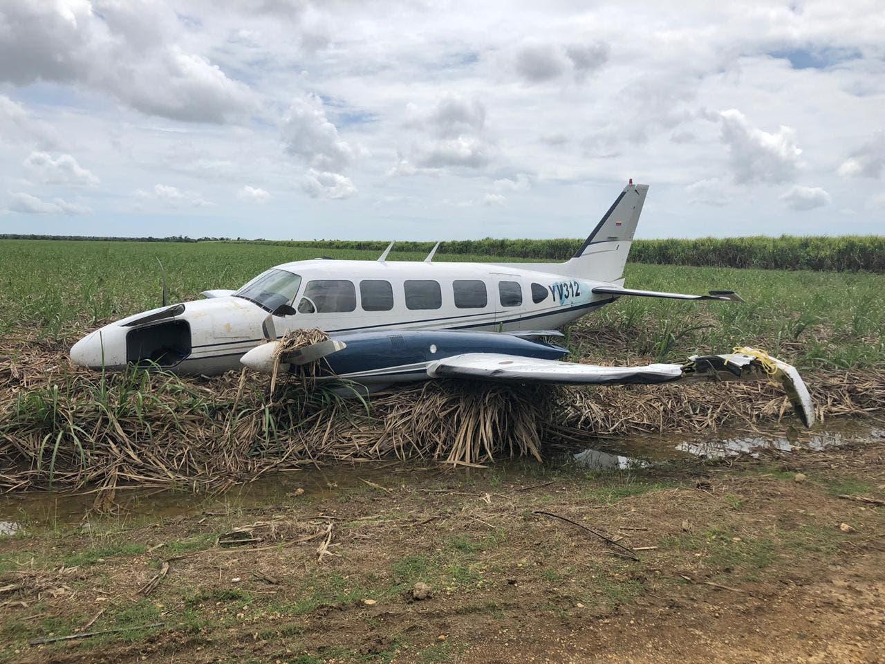 Investigan avioneta salió de Venezuela y aterrizó de manera irregular en área cañera de La Altagracia