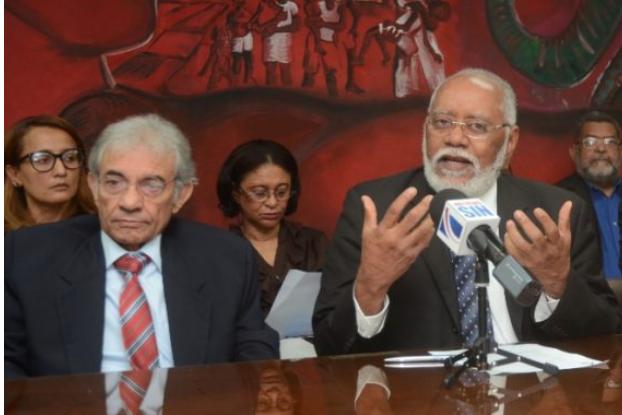 Colegio Médico y Andeclip anuncian suspensión de consultas a afiliados ARS-HUMANO