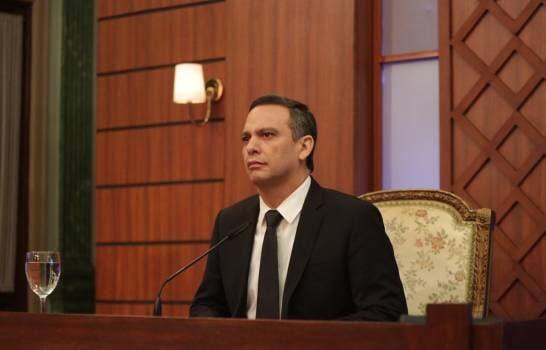 Luis Henry Molina renuncia a militancia del PLD
