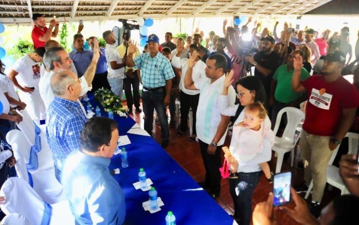 Luis Abinader resalta acogida del PRM en Línea Noroeste