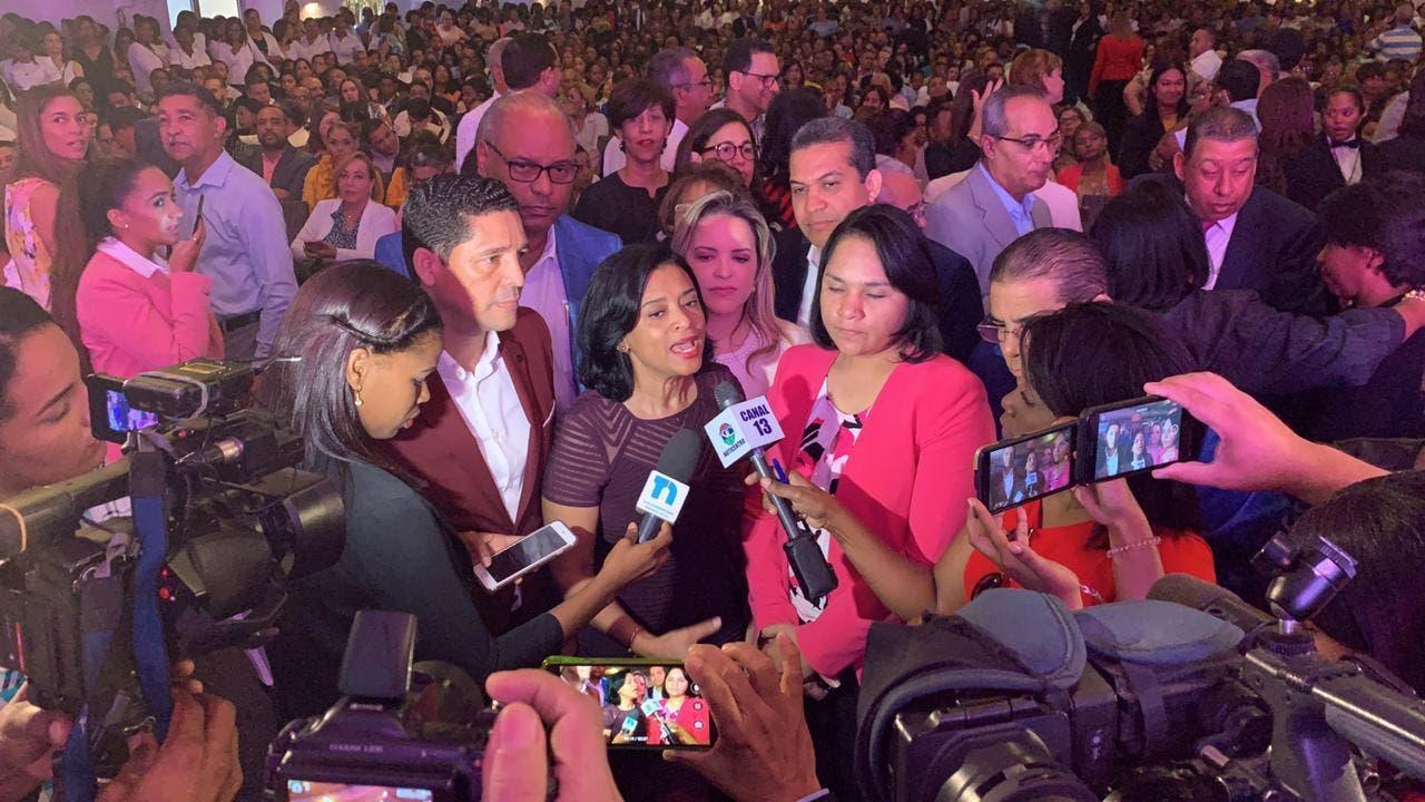 Profesionales y técnicos del sector salud  realizan encuentro en apoyo a Danilo Medina