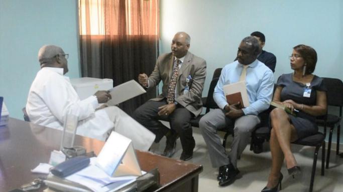 Director del Materno Reynaldo Almánzar visita hospitales periféricos para mejorar referimientos