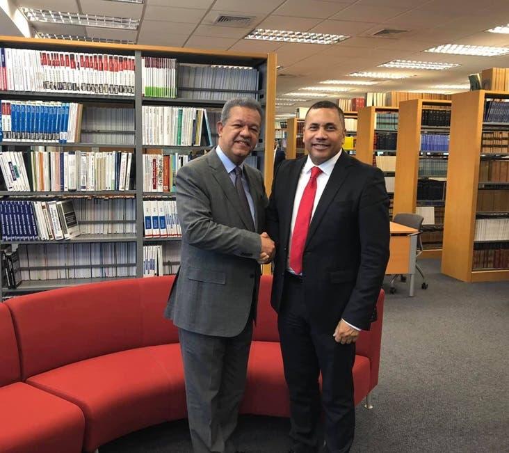 Renuncia presidente PLR en NY para apoyar a Leonel Fernández