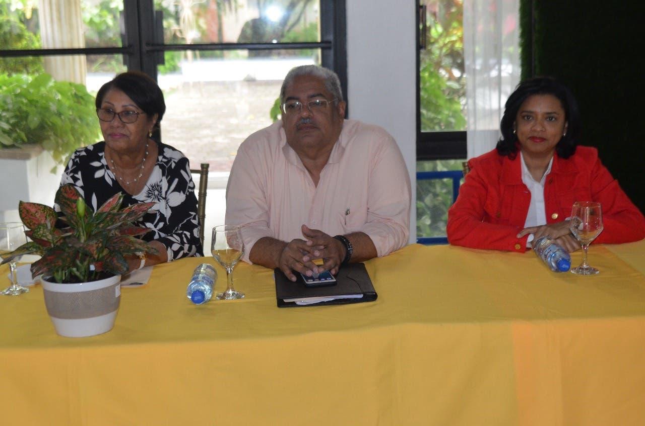 Titular SNS se reúne con directores hospitales de Santiago, Puerto Plata y Espaillat