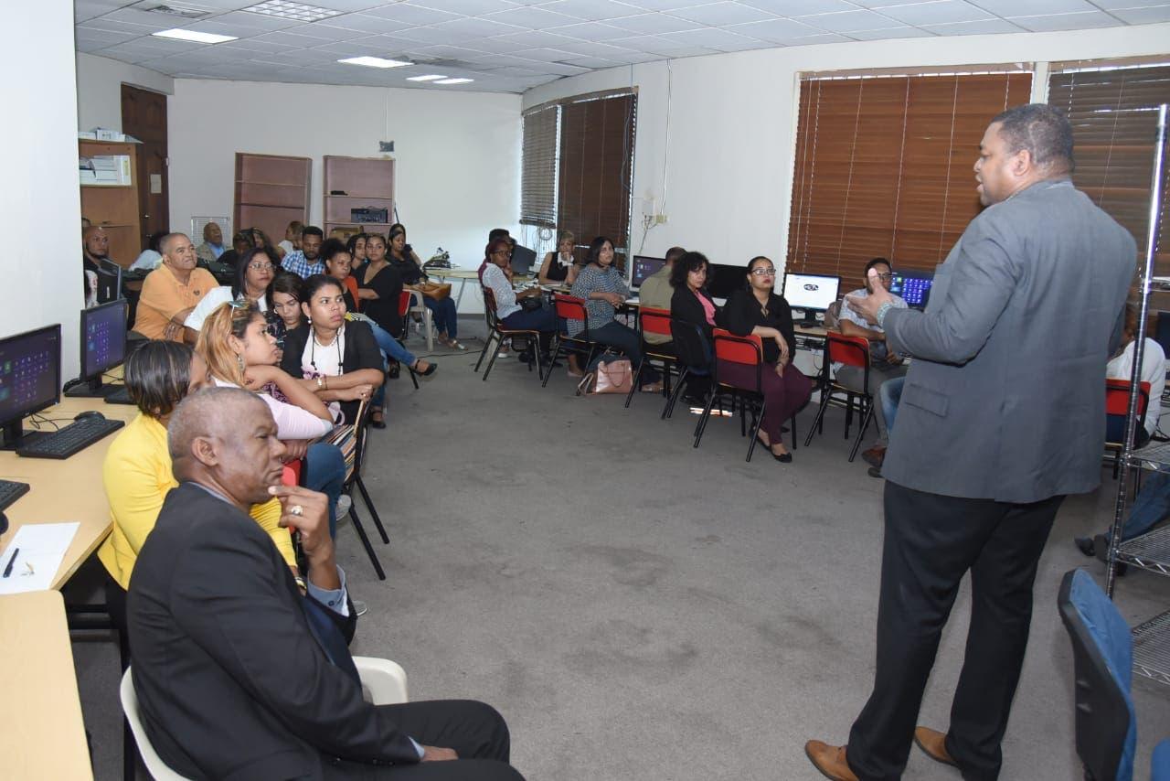 Imparten taller sobre periodismo digital en el Colegio Dominicano de Periodistas