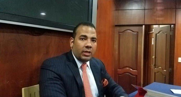 Video: «En otros países jueces han tenido que renunciar por autorizar intervenciones telefónicas de manera ilegal», afirma abogado