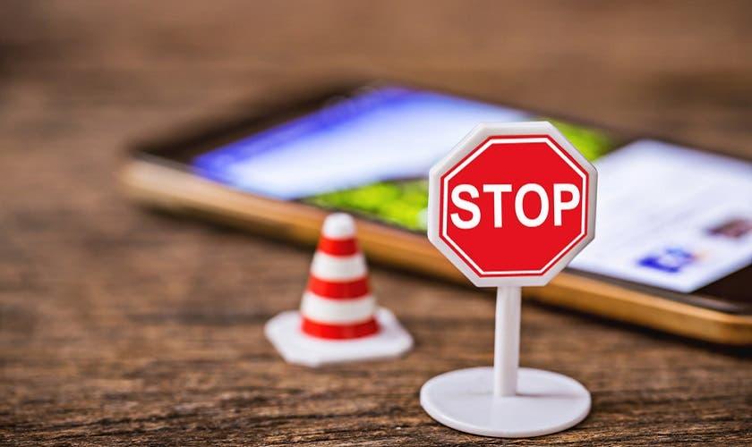 Te contamos por qué alejarte de tu celular podría ayudarte a vivir más