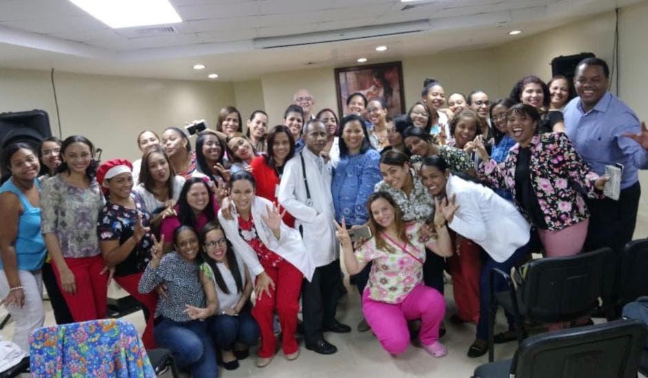 """SNS realiza taller sobre manejo de """"Vasopresores en el neonato crítico"""" en la Maternidad de Los Mina"""