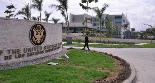 Embajada de EEUU responde a versión de periodista Jaime Bayly sobre reunión Danilo Medina y Robert Copley