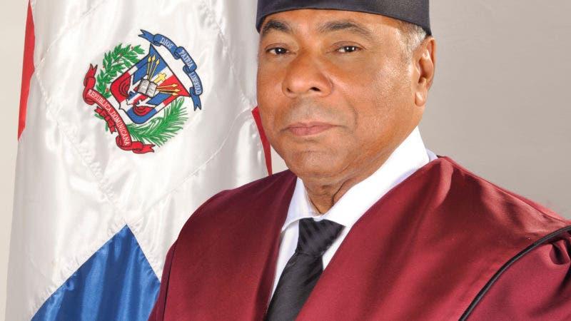 foto oficial magistrado Milton Ray Guevara