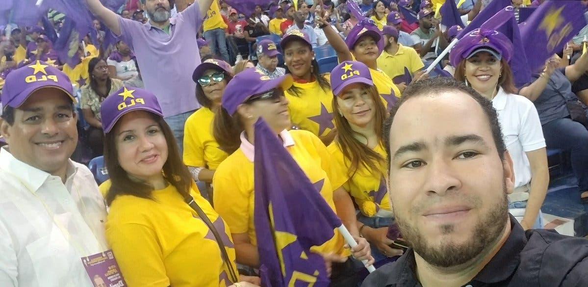 Video: Seguidores de Danilo Medina salen a las calles a promover la reelección