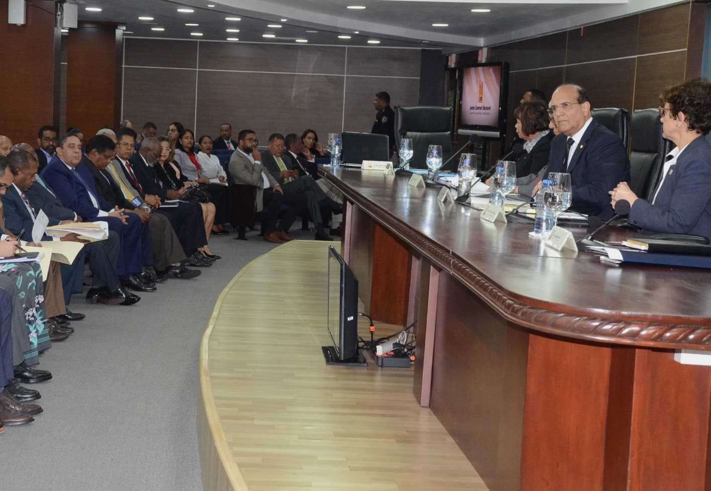 JCE aprueba reglamento para distribuir RD$ 1,000 millones a partidos políticos