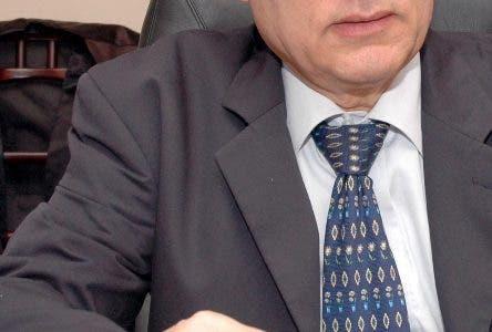 Juan Francisco Puello Herrera PRESIDENTE DE LA CONFEDERACION DE BEISBOL DEL CARIBE HOY CARLOS ALONZO4/9/2007