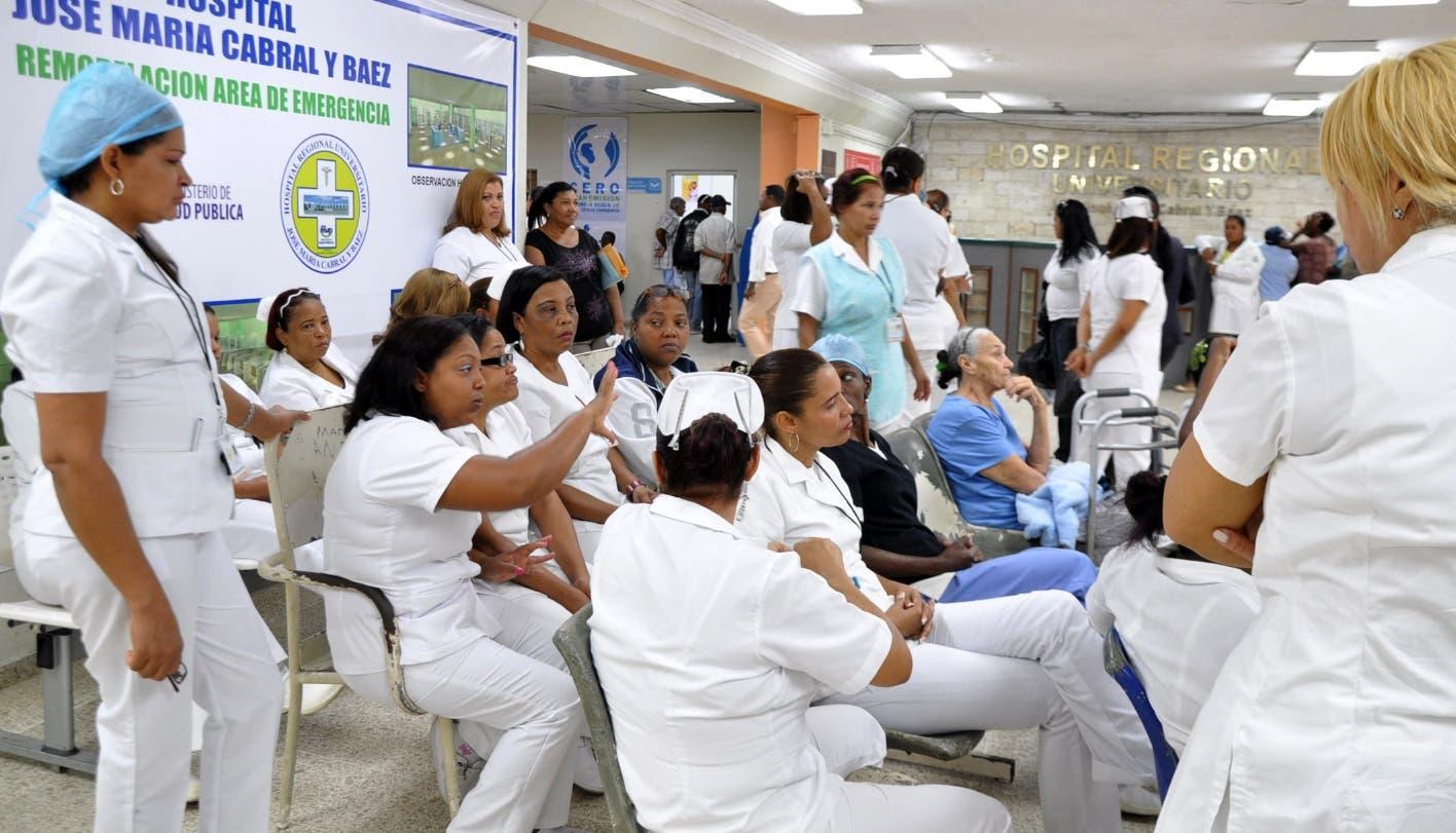 Hacen efectivo paro de enfermeras; dicen buscan llamar la atención de las autoridades