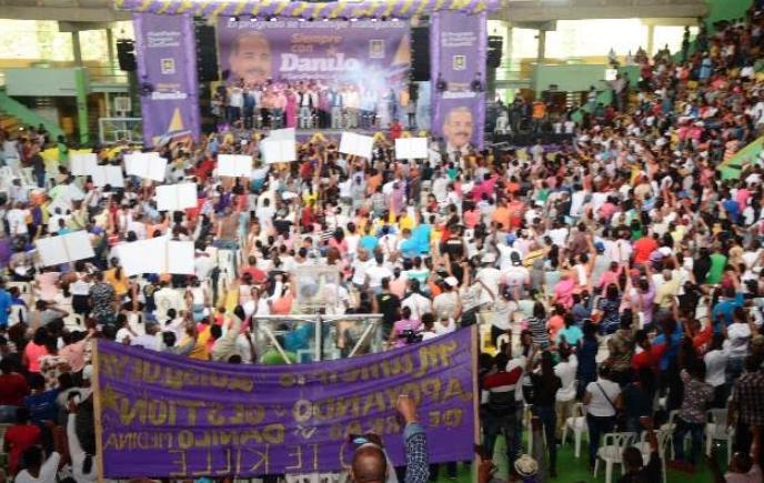 Danilistas se manifiestan en cinco provincias en apoyo a obra de gobierno