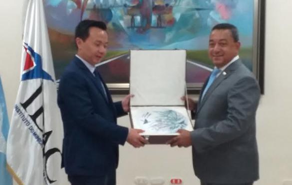 Director del IDAC prevé cifra record en llegada de turistas al país por  vía aérea