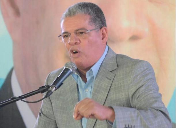 Lo que dijo Amarante Baret sobre «coincidencia» de Leonel Fernández y Luis Abinader en acciones frente al Congreso