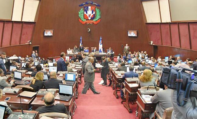 Firmes: Legisladores del PRM se comprometen mediante firma a detener intentos de modificación constitucional