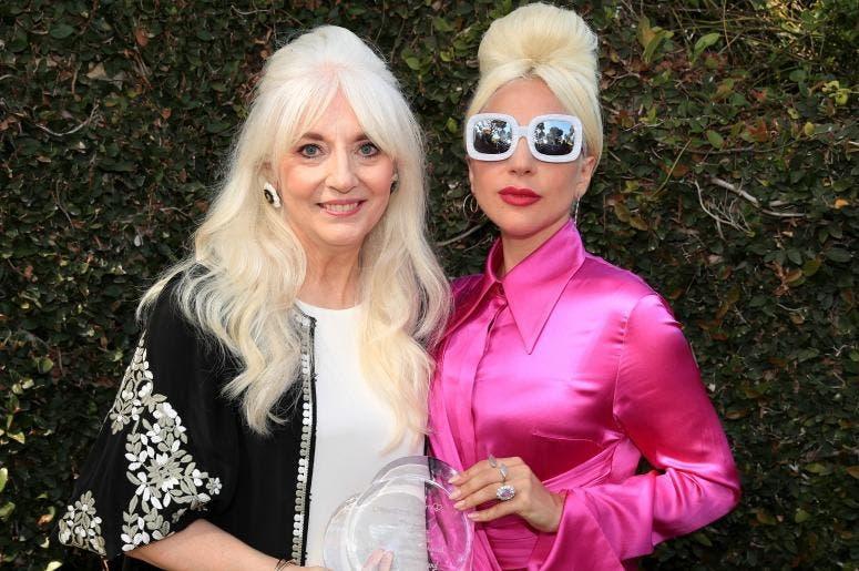 """Madre de Lady Gaga es nombrada por la OMS """"embajadora para la salud mental"""""""