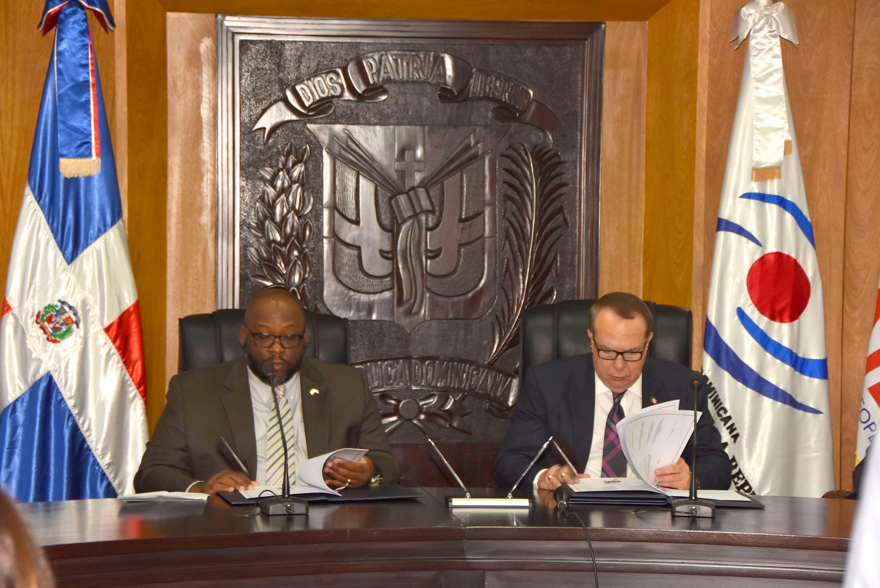 Cámara de Cuentas y USAID firman memorándum de entendimiento orientado al fortalecimiento institucional