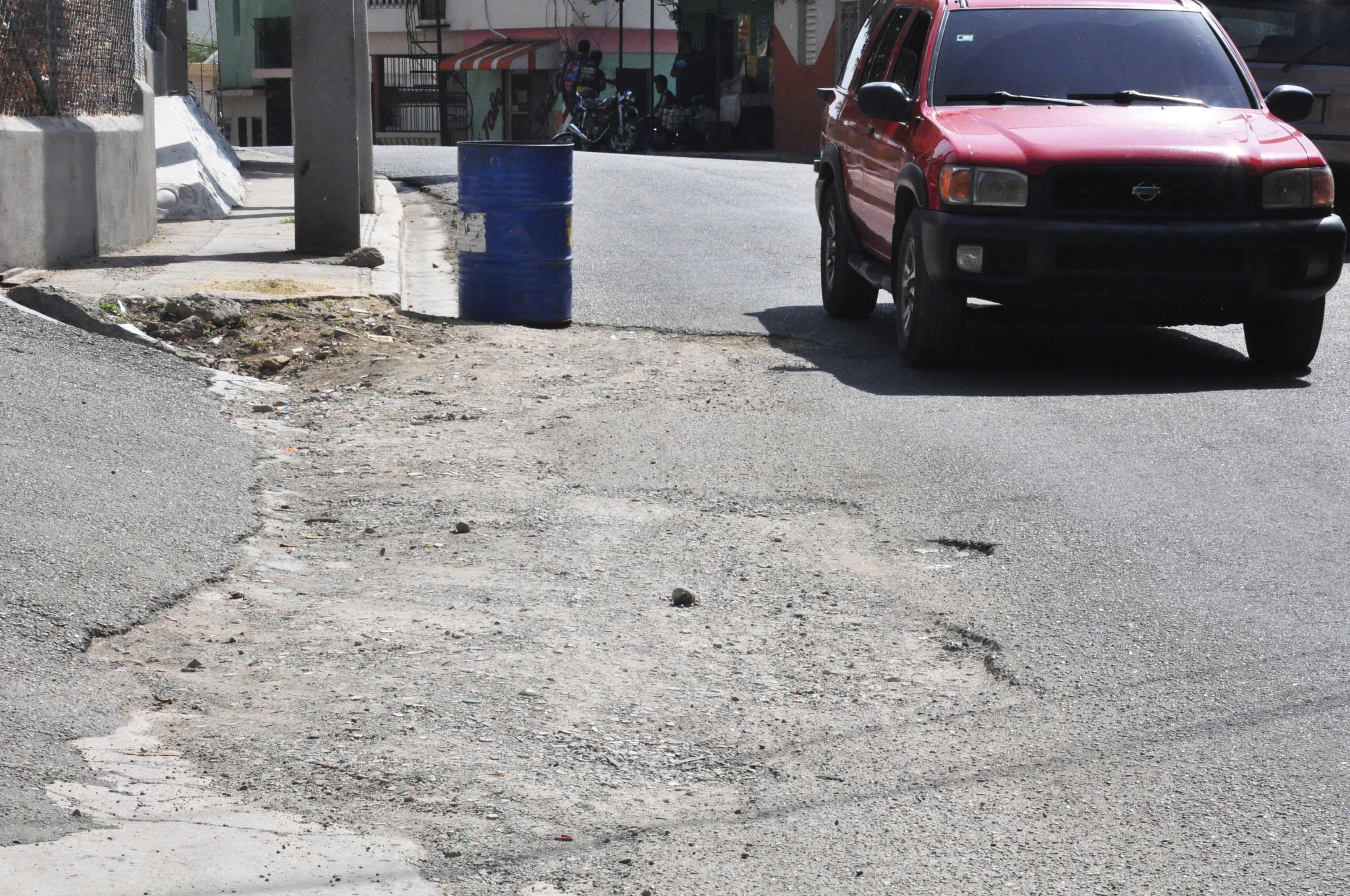 Piden a las autoridades asfaltado de calles en el sector Villa Olímpica