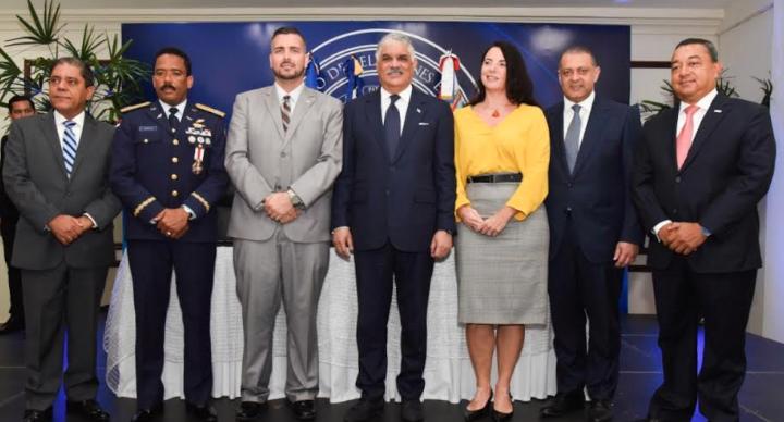 Valoran firma de convenios aéreos con  Países Bajos y San Martin