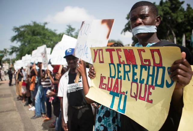 Denuncian falta de documentos impide trabajar y estudiar a más de 70 mil hijos de haitianos en RD