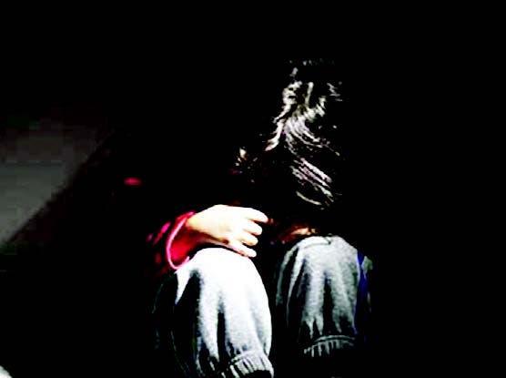La niña abusada recibe terapia sicológica
