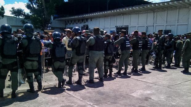 Venezuela: Al menos 3 muertos y 22 heridos en un motín carcelario