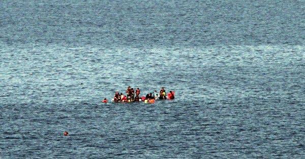 Venezuela: naufraga embarcación con más de 20 ocupantes