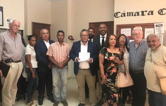 Someten recurso de amparo preventivo ante intento de construir relleno sanitario en Puerto Plata