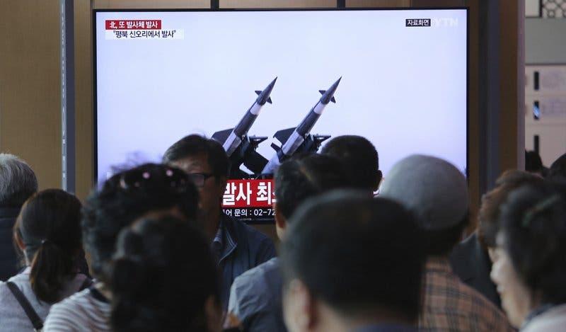 Corea del Norte dispara dos supuestos misiles