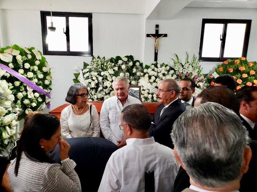 Danilo Medina asiste al funeral del empresario Heriberto Medrano, fallecido tras estrellarse helicóptero en Puerto Plata