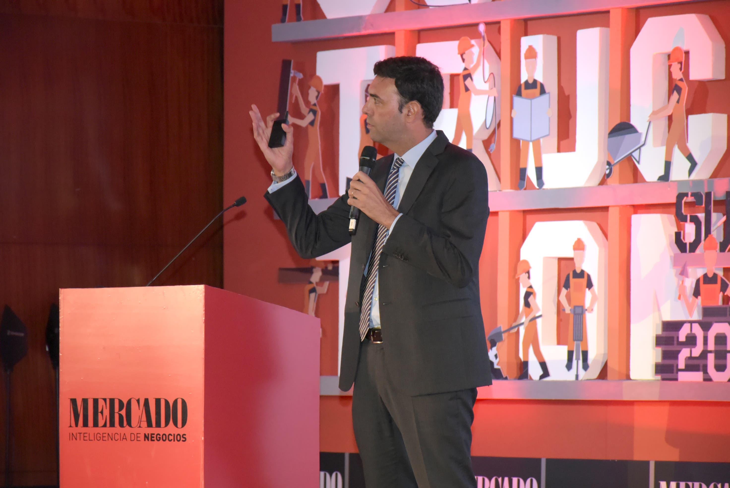 Director de CEMEX plantea la innovación y nuevos modelos de negocios para revolucionar la industria