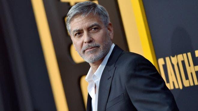 Detenidos 2 italianos en Tailandia por falsificar la firma de George Clooney