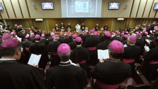 El Vaticano abre el debate sobre sacerdotes casados